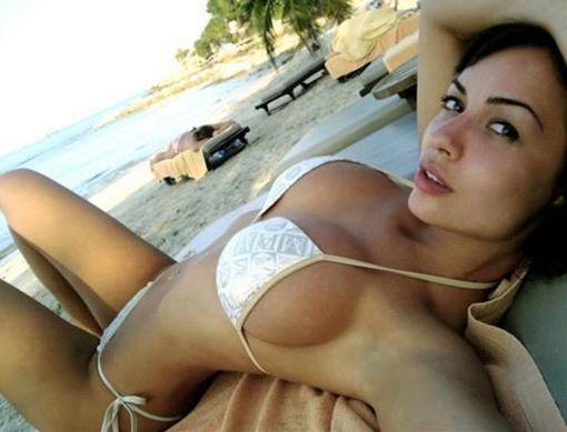 下着姿の外国女性写真